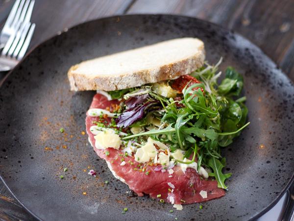 Lunch - De Raedtskelder - Broodje carpaccio
